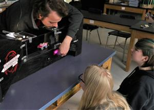 Rensselaer Engineering Ambassadors work with BSMS students