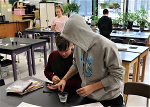 Rensselaer Engineering Ambassadors work with students in Science Classes