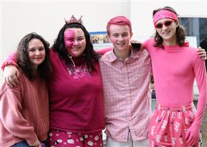Sophomores particpating in the Class Color Wars during School Spirit Week in BSpa